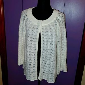 White sweater buttons at neck EUC Petite XL